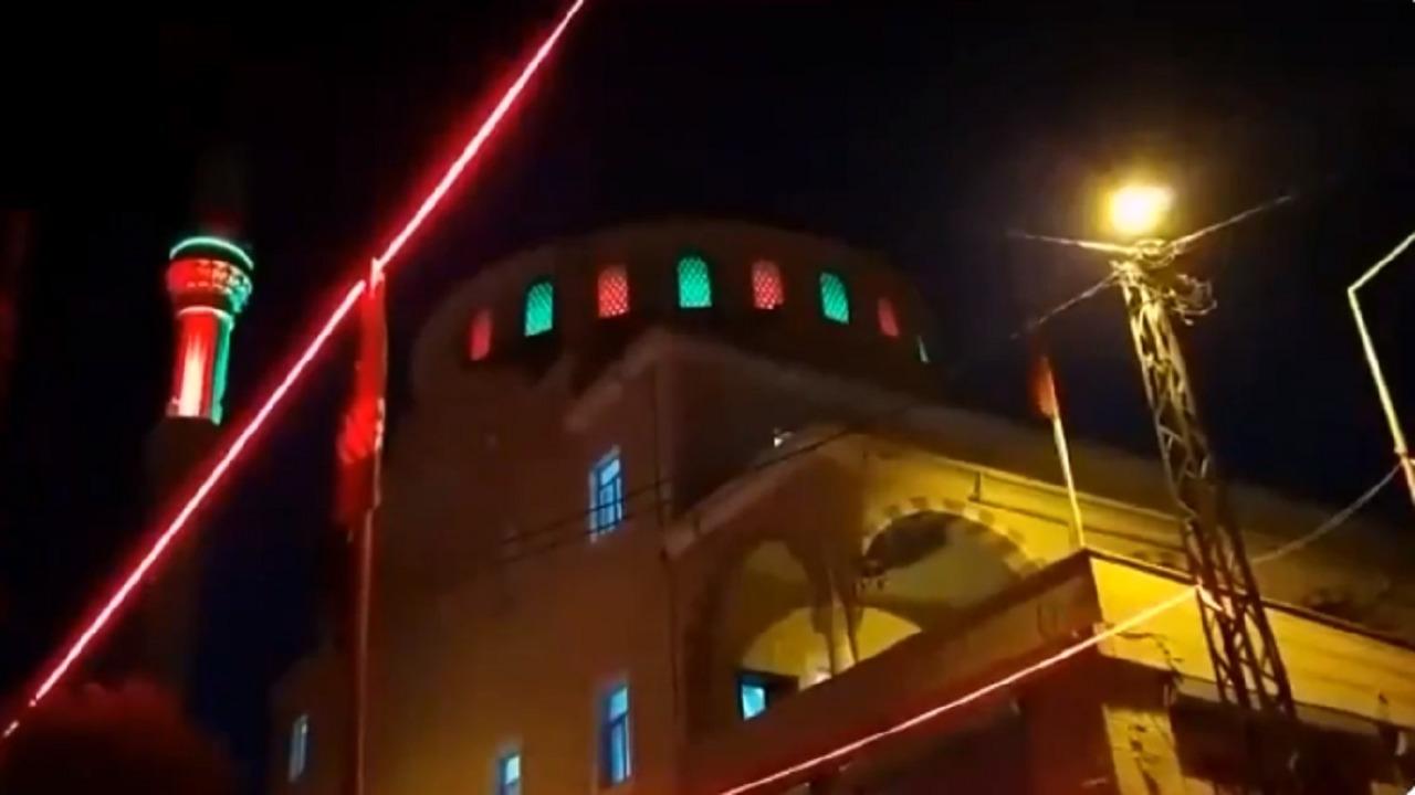 سب صريح للصحابة من داخل مسجد باسطنبول