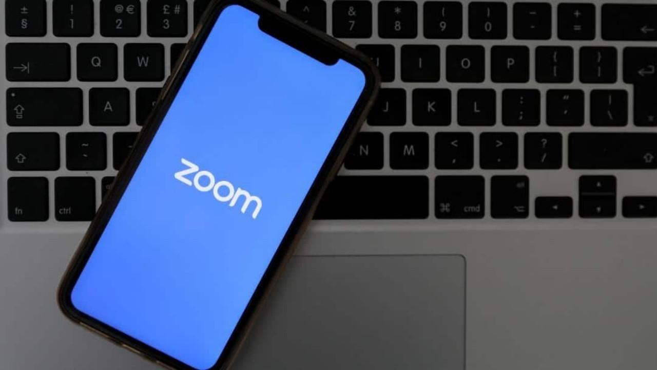 تطبيق «زووم» يسعى لزيادة الأمان بعد انتشار استخدامه