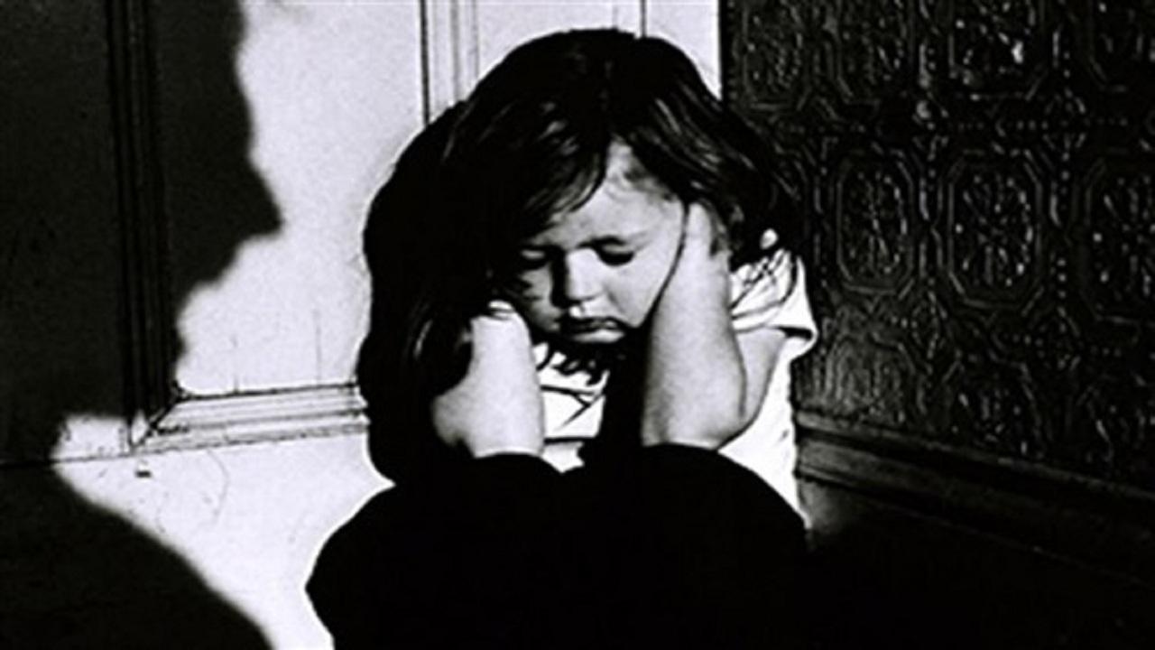 امرأة تورط طفليها للانتقام من زوجها الخائن
