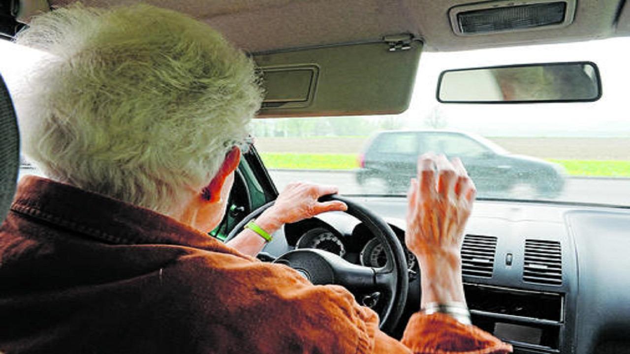واقعة طريفة لزوجين مسنين ضلا الطريق