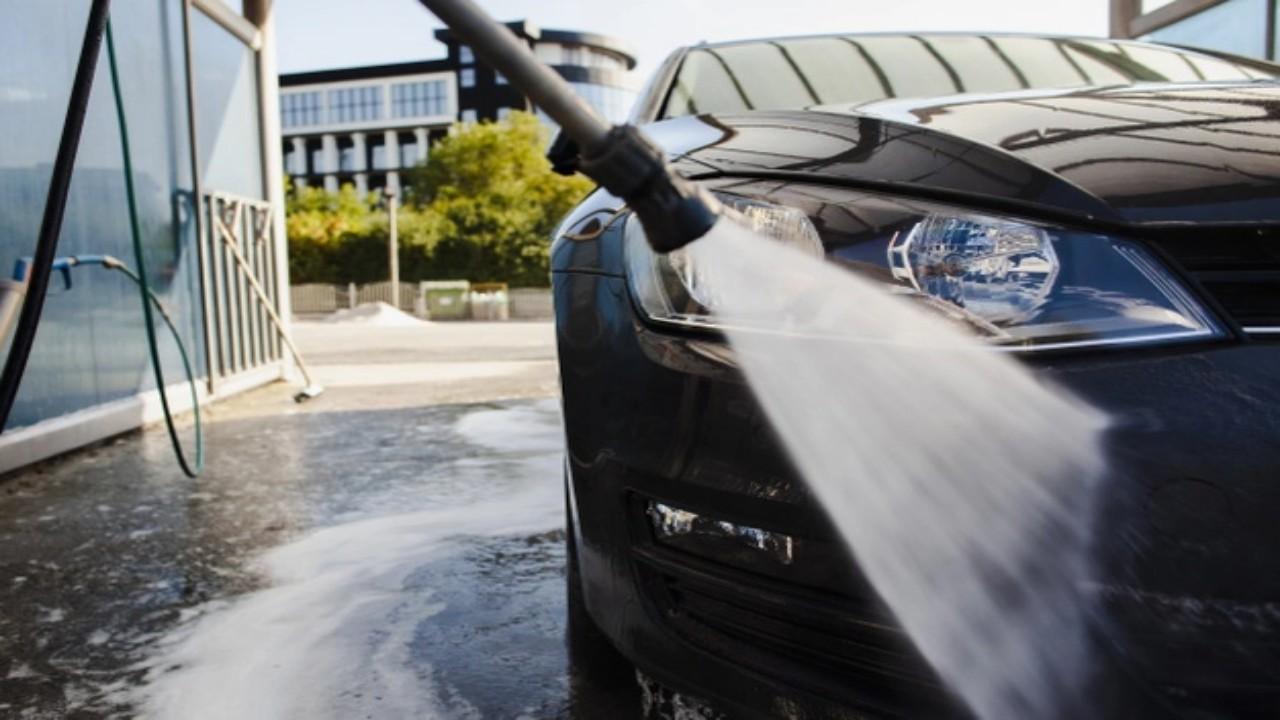 1000 ريالًا غرامة غسل السيارات في الأماكن العامة