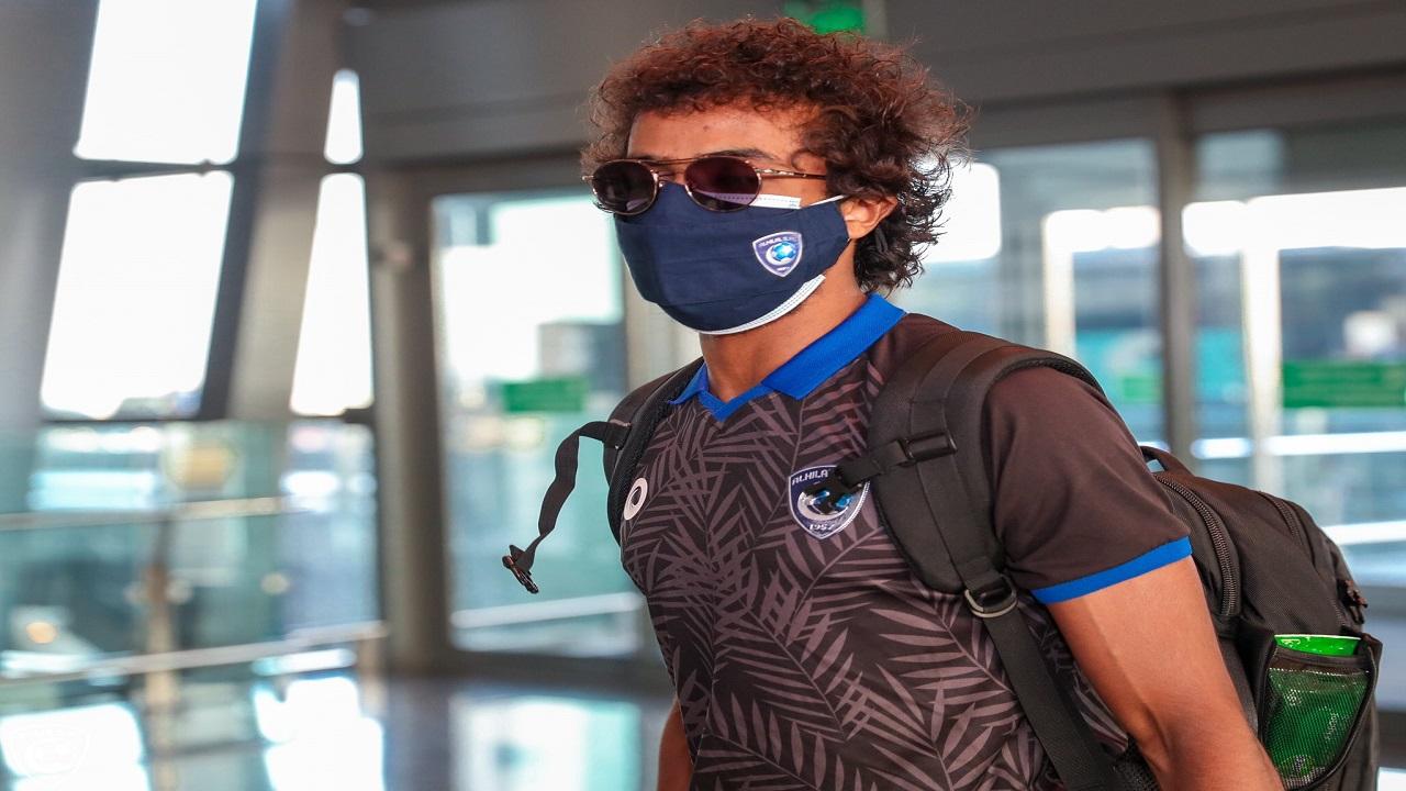 بالصور.. لاعبو الهلال غير المصابين بكورونا يعودون إلى الرياض