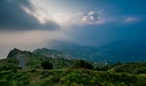 جبال عسير الشامخة تتوشح بالخضرا