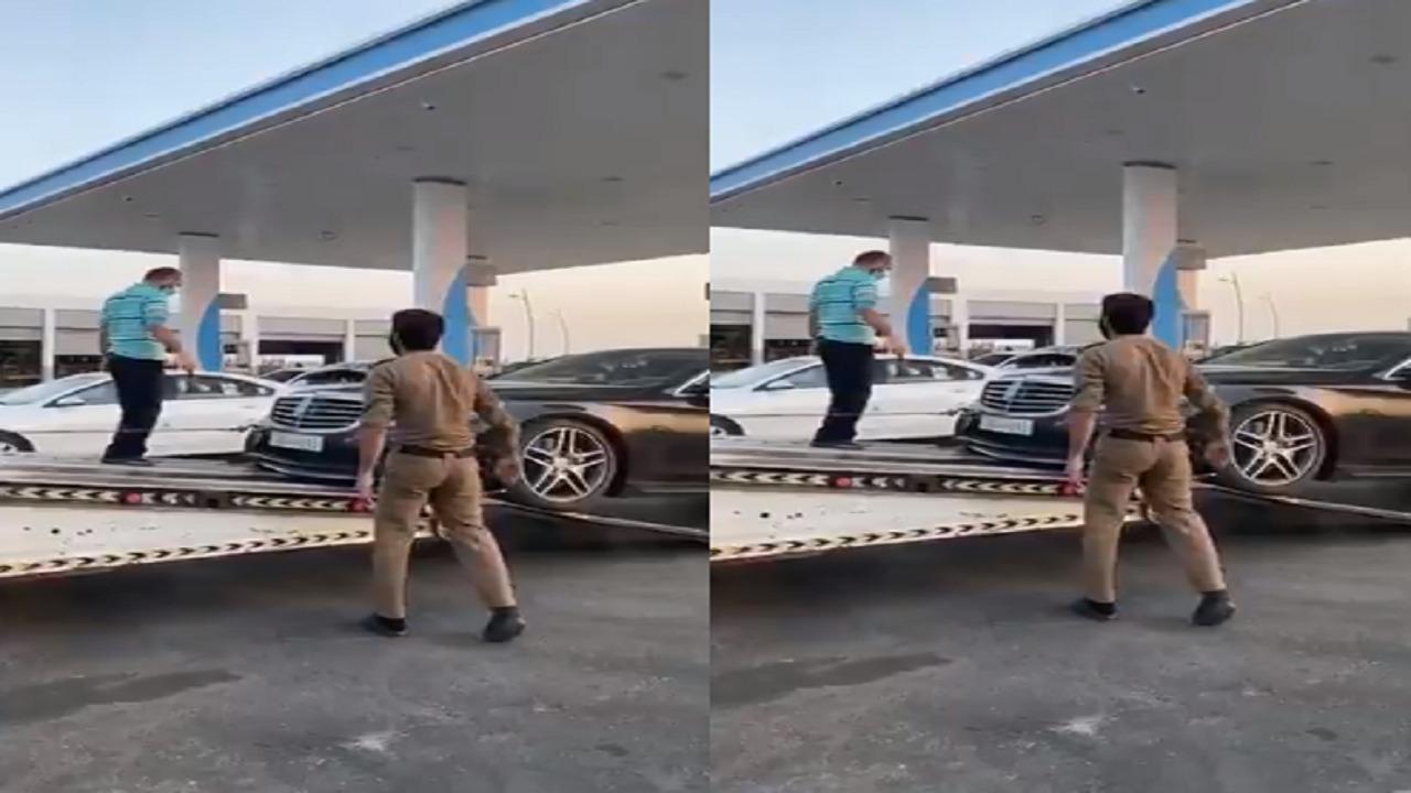 """مواطن يروي موقف إنساني لرجل مرور: """"عرض عليا سيارته الخاصة"""""""