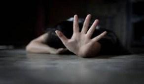 شاب ينقض على سيدة ويغتصبها خلف فندق