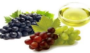 طريقة استخدام العنب الاخضر لإزالة تجاعيد العينين