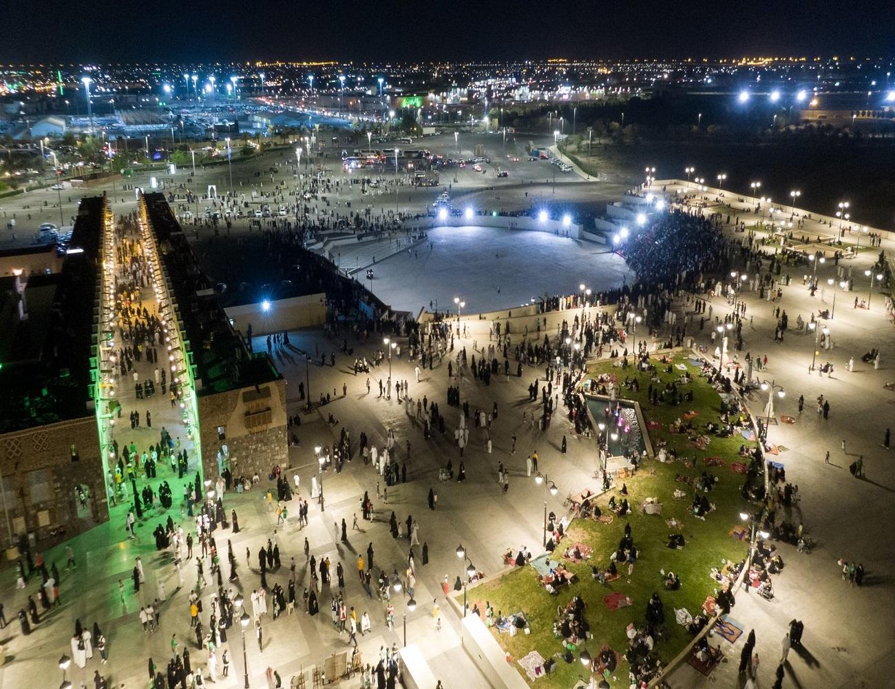 لقطة رائعة من حديقة الملك فهد المركزية احتفالا باليوم الوطني
