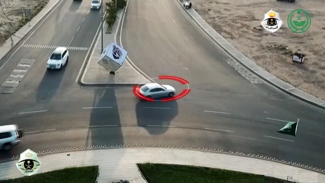 بالفيديو.. «المرور» ينشر مقطع فيديو لمخالفة مرورية ويحذر: إختصار المسافة