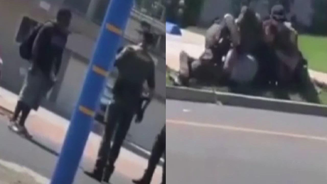 """الشرطة تطلق النار على """"شاب مشرد"""" أثناء سيره في الشارع (فيديو)"""