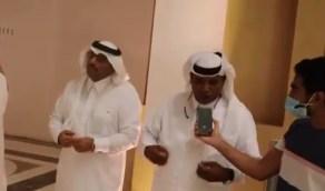 بالفيديو.. مواطن يرفض بيع صديقه بمليون ريال