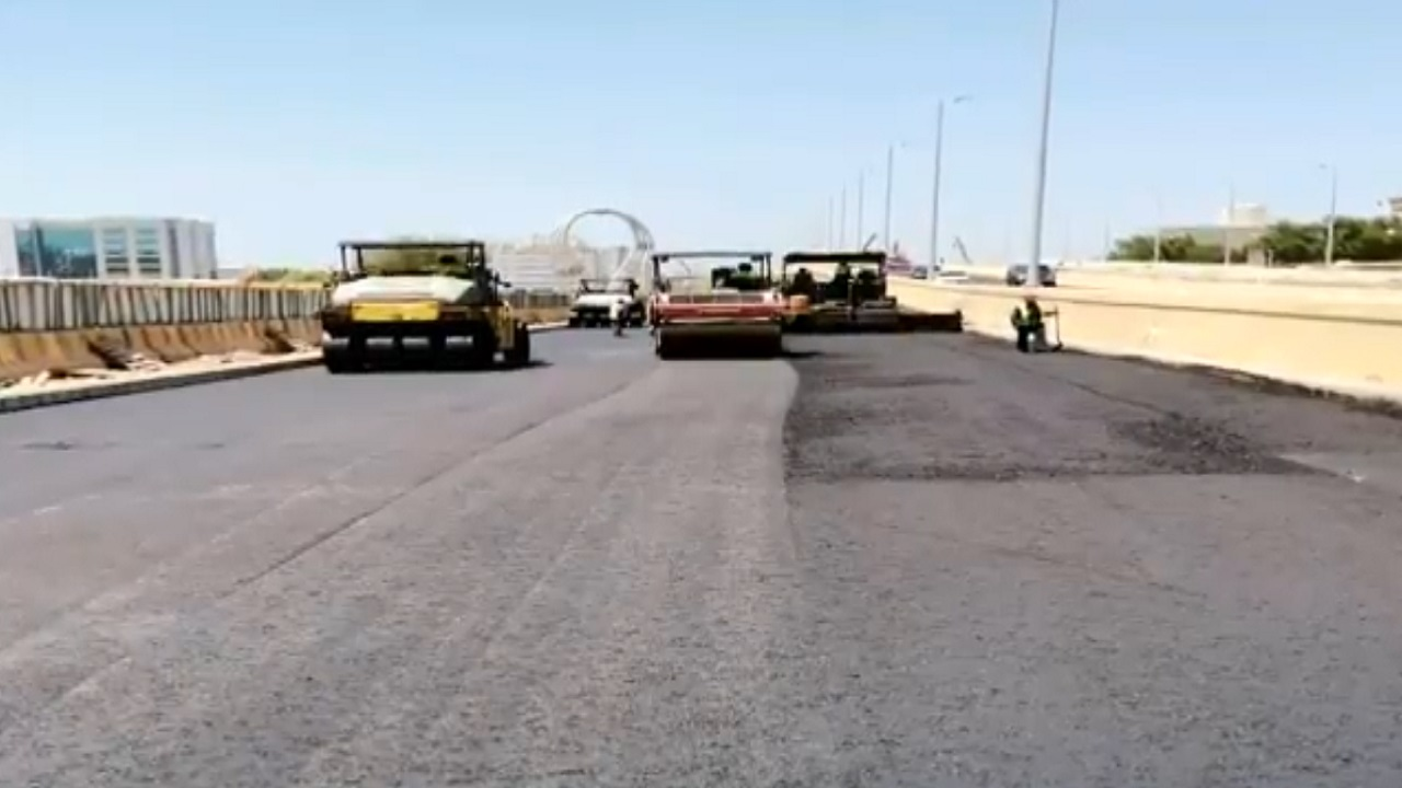 """بالفيديو.. آخر تطورات مشروع تقاطع شارع """"صاري"""" مع طريق الملك فهد في جدة"""