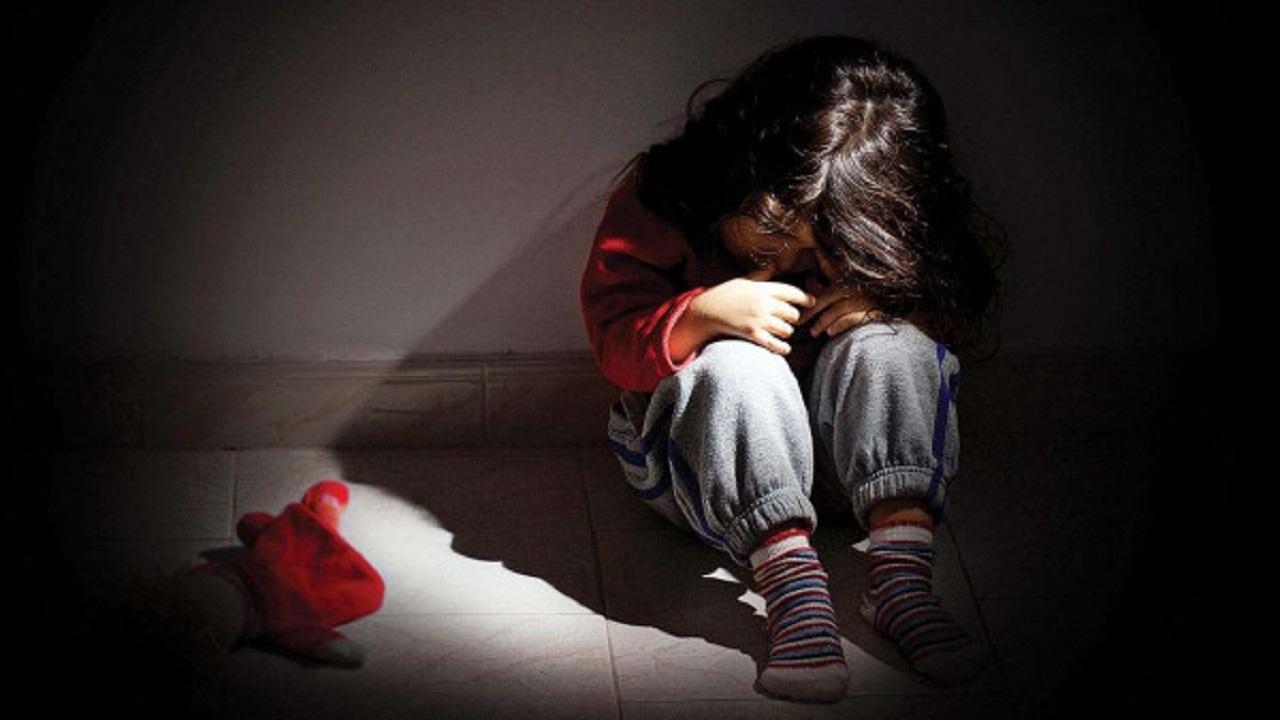 أولاد يغتصبون طفلة عمرها 4 أعوام