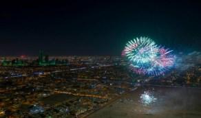 بالفيديو والصور..الألعاب النارية تضئ سماء الرياض والدمام ابتهاجًا باليوم الوطني 90