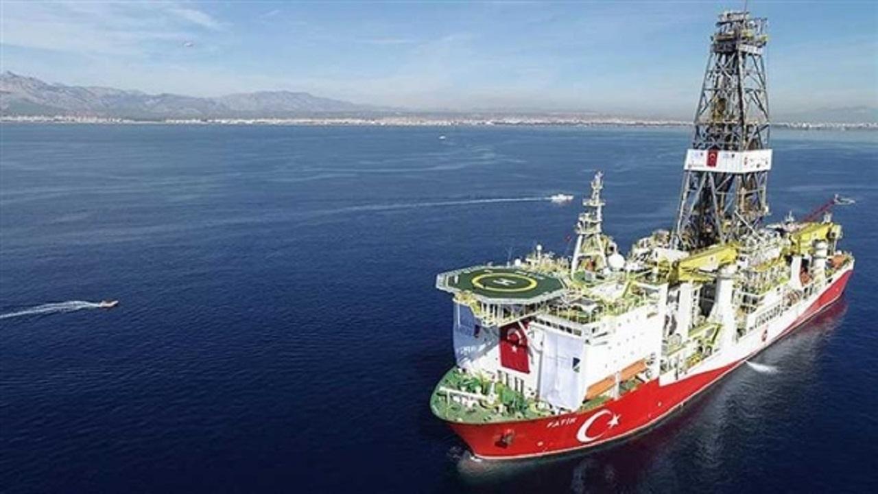 انسحاب السفينة التركية «أوروك ريس» من «المتوسط»
