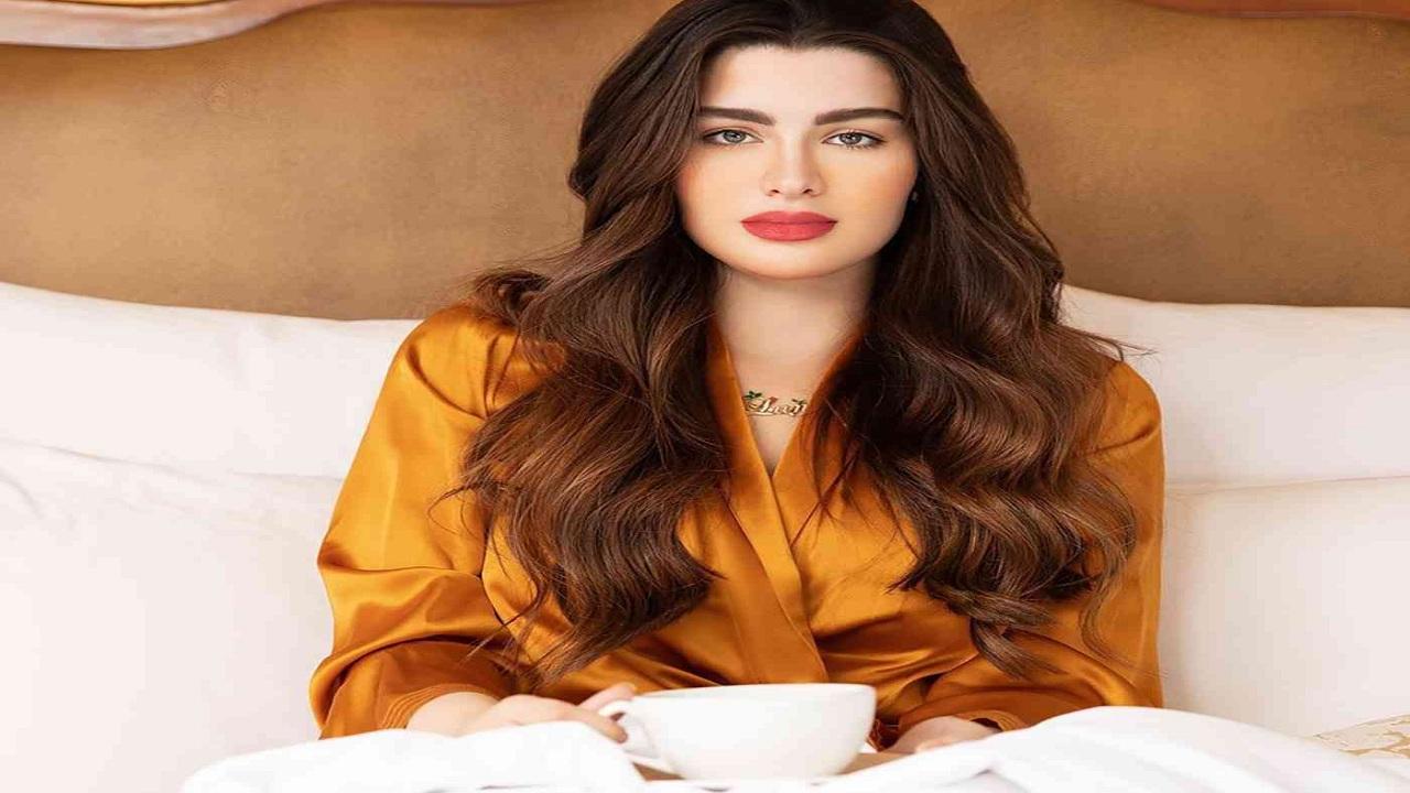 روان بن حسين تطالب بوضع قوانين تأديبية لمن يجبر المرأة على إرتداء ملابس معينة