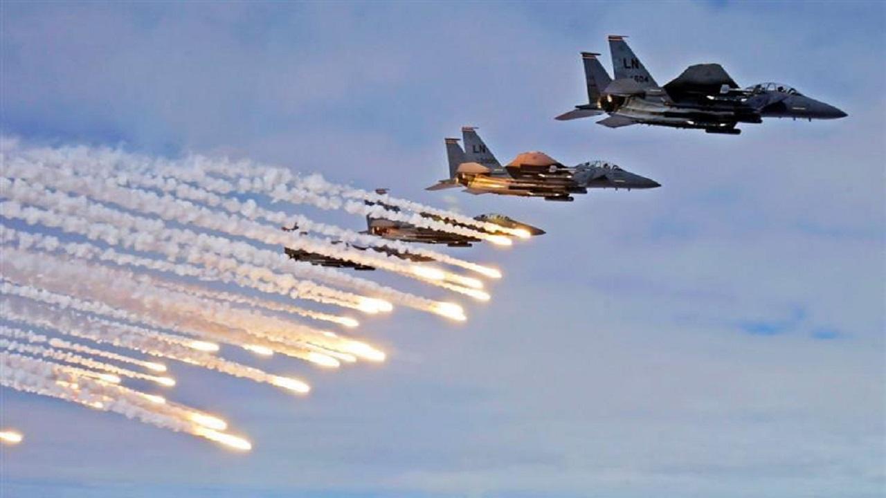 التحالف يغير على مراكز تصنيع الصواريخ الباليستية والمُسيرات الحوثية