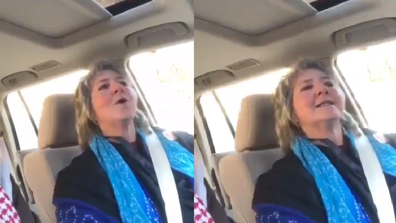 بالفيديو.. أمريكية تغني «زمان الصمت» بعد حفظها منذ 40 عامًا