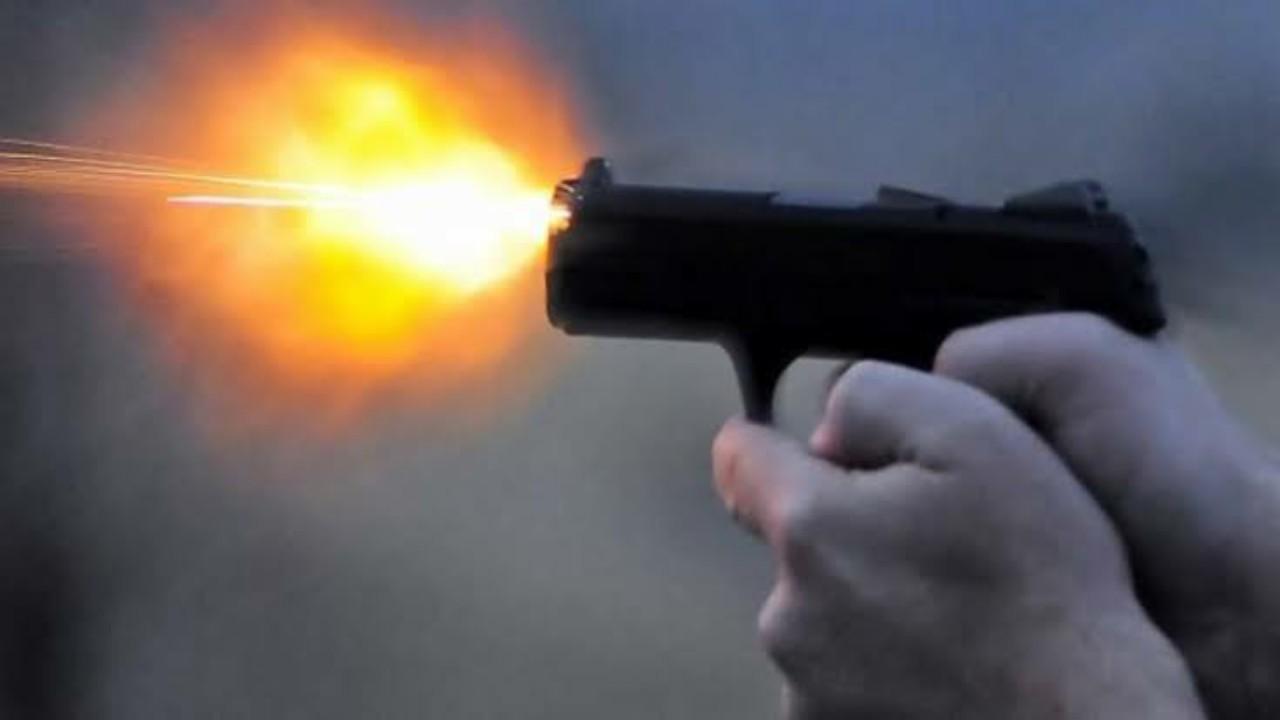 رجل يقتل شابًا بطلق ناري بعد محاولته الدفاع عن زوجته