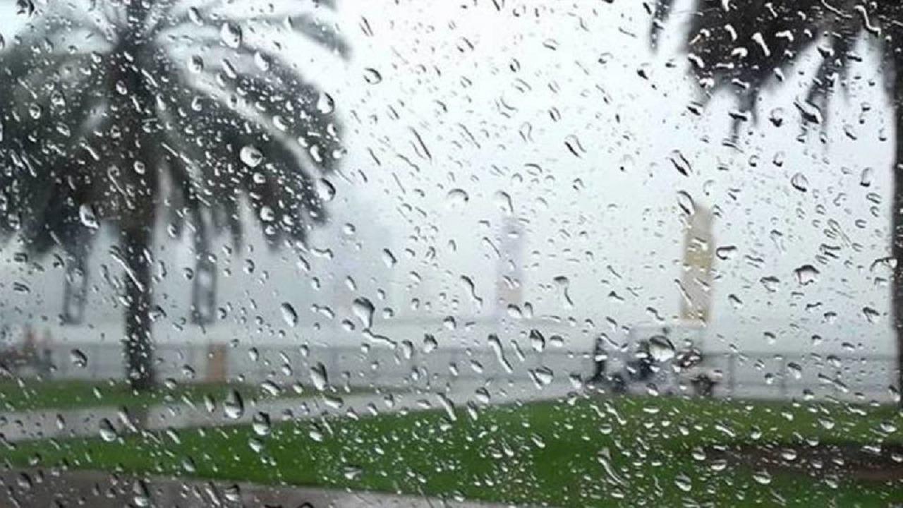 الحصيني: أمطار على مكة والمدينة بدءًا من الغد