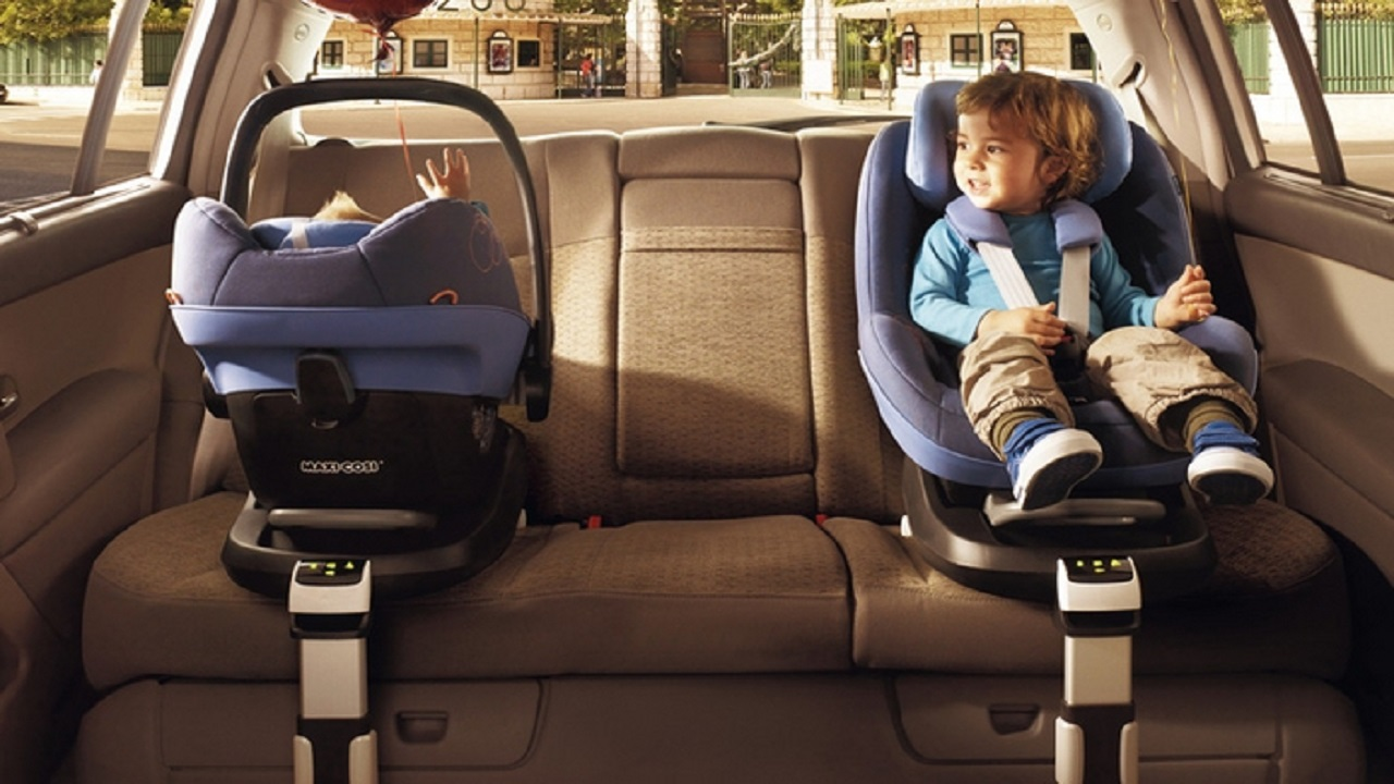 4 خطوات ضرورية لضمان حماية وسلامة أطفالك داخل السيارة