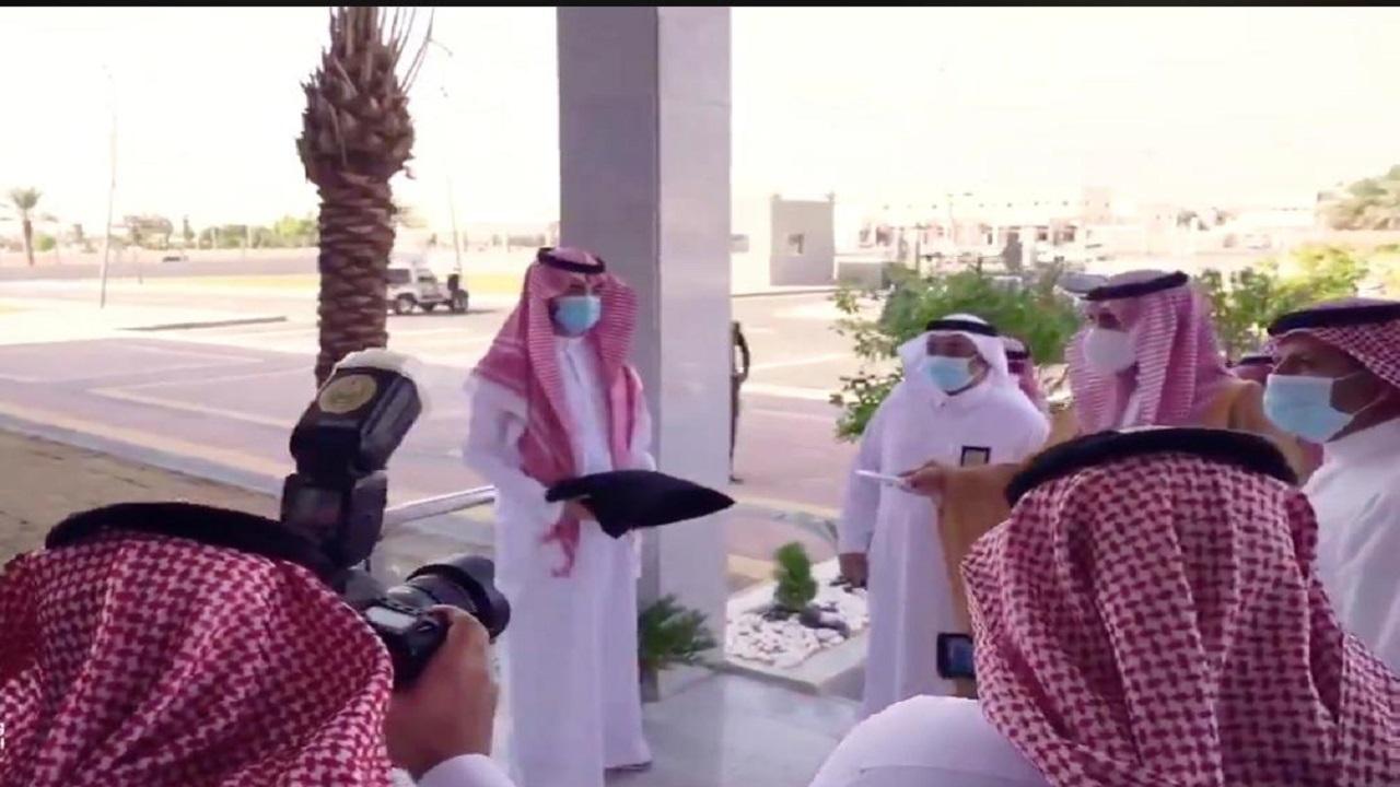 بالصور.. أمير الجوف يفتتح 3 بلديات فرعية جديدة