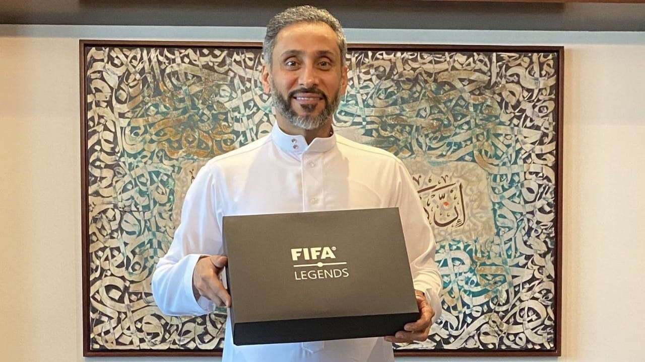 سامي الجابر يتسلم جائزة أساطير الـFIFA