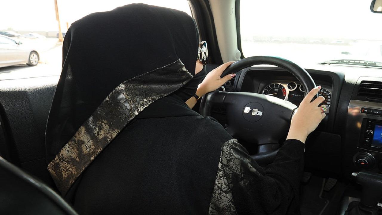 مستشفيات تتيح للنساء إجراء الفحص الطبي لاستخراج رخصة قيادة