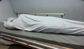 رائحة كريهة تقود للعثور على جثة سيدة مخبأة أسفل السرير بمنزلها