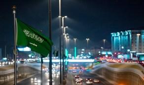 بالصور..شوارع المدينة المنورة تكتسي بالأخضر في اليوم الوطني