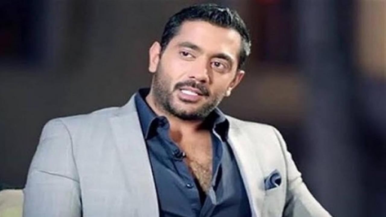 أحمد فلوكس يفاجئ جمهوره بعودته لزوجته الأولى