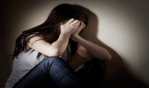 سمسار يستدرج طالبة بخطة ماكرة لاغتصابها