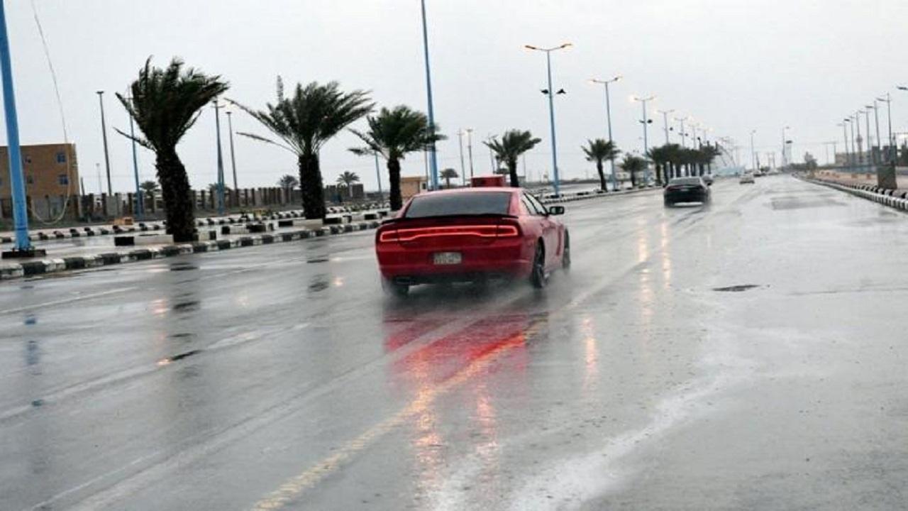 مدني جازان يحذر من التقلبات الجوية ويهيب باتباع إرشادات السلامة
