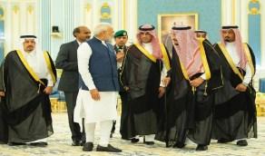 خادم الحرمين يستعرض العلاقات الثنائية مع رئيس وزراء الهند
