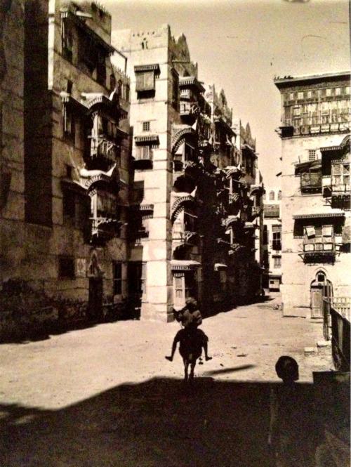 أحد شوارع جدة عام 1363 هـ