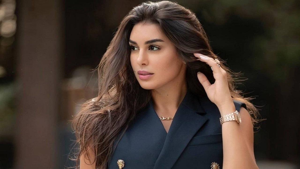 بالفيديو.. ياسمين صبري تثير الجدل بسيارتها الفارهة