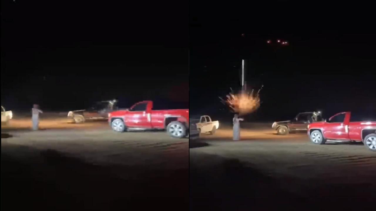 «متهور» يطلق النار عشوائياً من سلاح رشاش في ساحة تفحيط بوادي الدواسر «فيديو»