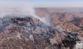 """آثار مؤلمة لحريق تنومة.. الدفاع المدني: """"الرياح تسببت في انتشاره"""" (فيديو)"""