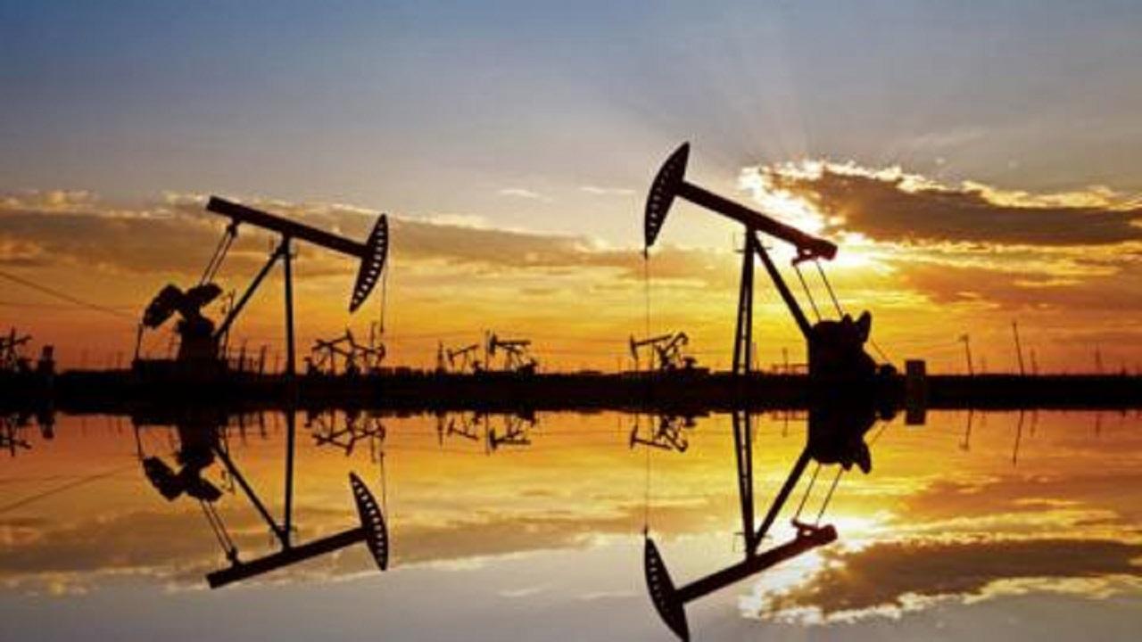 النفط يحافظ على مكاسبه بعد عودة ترامب للبيت الأبيض