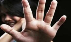 بالفيديو.. شاب يتحرش بفتاة أردنية في المواصلات العامة وتجبره على ترجيها لمسامحته