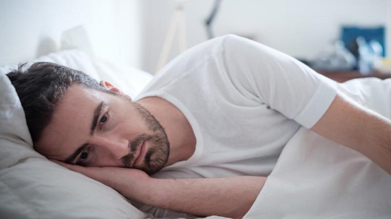 «النمر» يُحذر الشباب من مخاطر قلة النوم