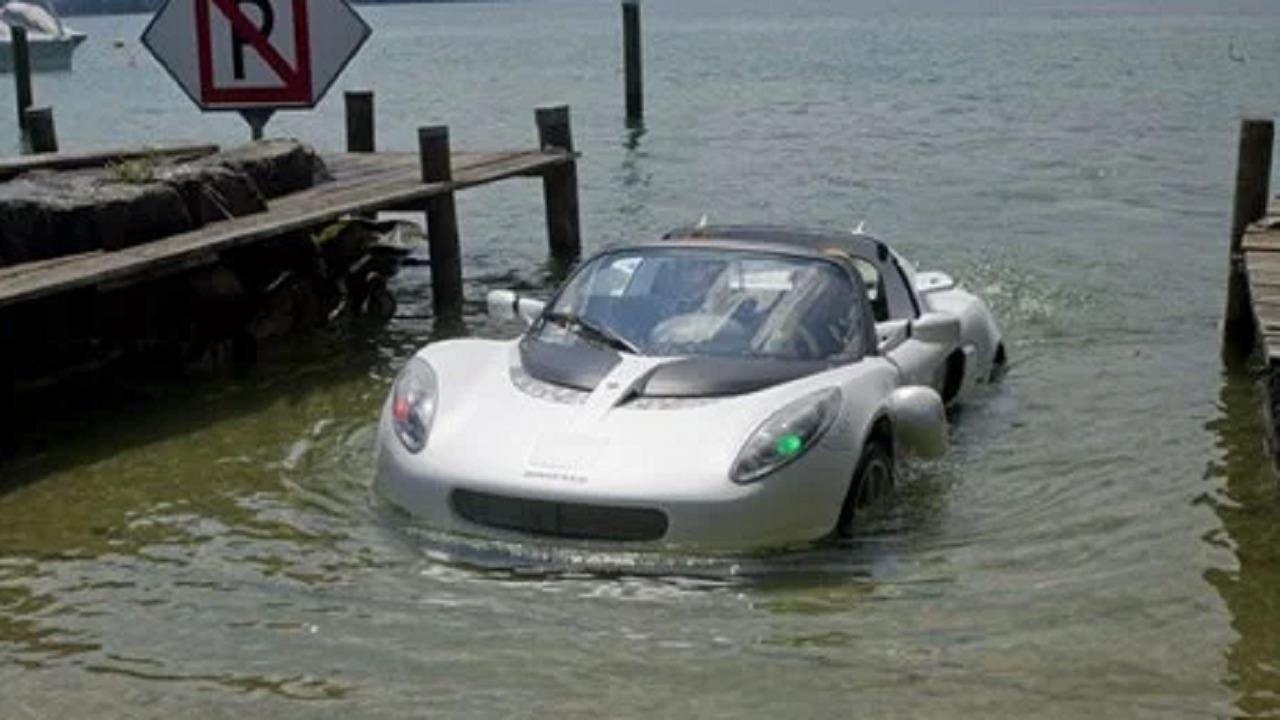 بالفيديو.. شركة سويسرية تصنع سيارة برمائية