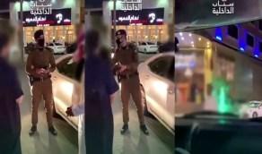 """بالفيديو.. لحظة ضبط مخالفات الذوق العام ومنها """"ارتداء ثوب نوم"""" في القصيم"""