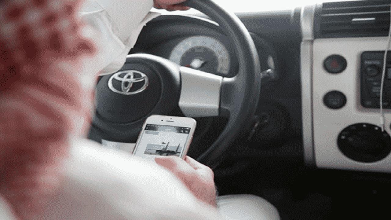 حقيقة السجن والغرامة لمستخدمي الجوال أثناء القيادة و قائدي الدراجات النارية بلا رخصة
