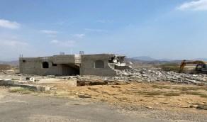 بالصور.. بلدية بحر أبو سكينة تقوم بإزالة داخل مخطط كمب61