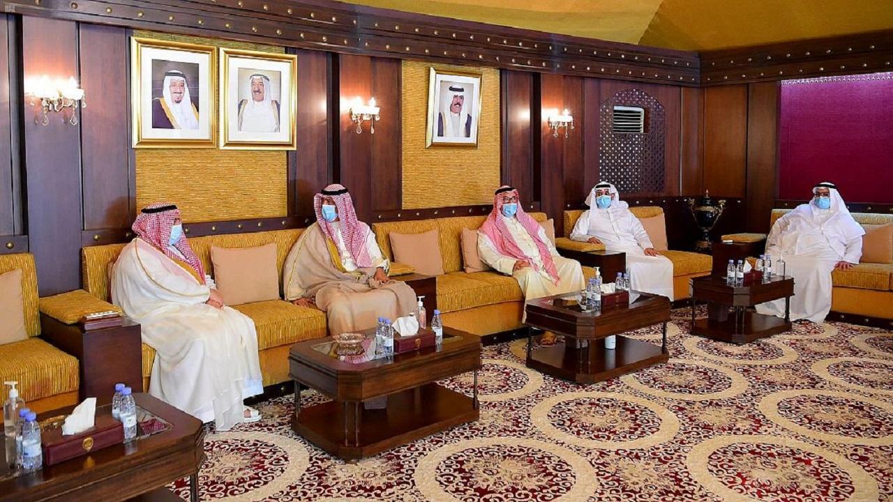 وكيل إمارة الرياض يُقدم واجب العزاء في وفاة الشيخ صباح الأحمد بسفارة الكويت