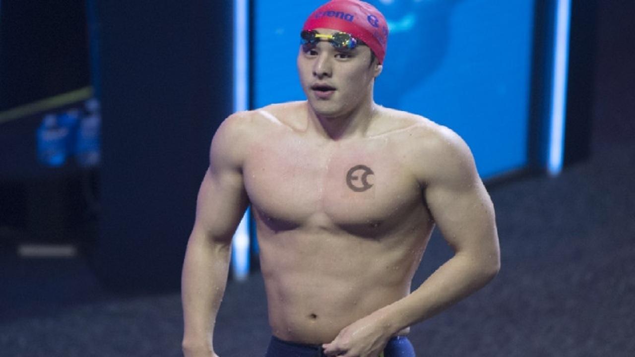 إيقاف بطل سباحة عالمي باليابان بعد انتشار فيديو فاضح له