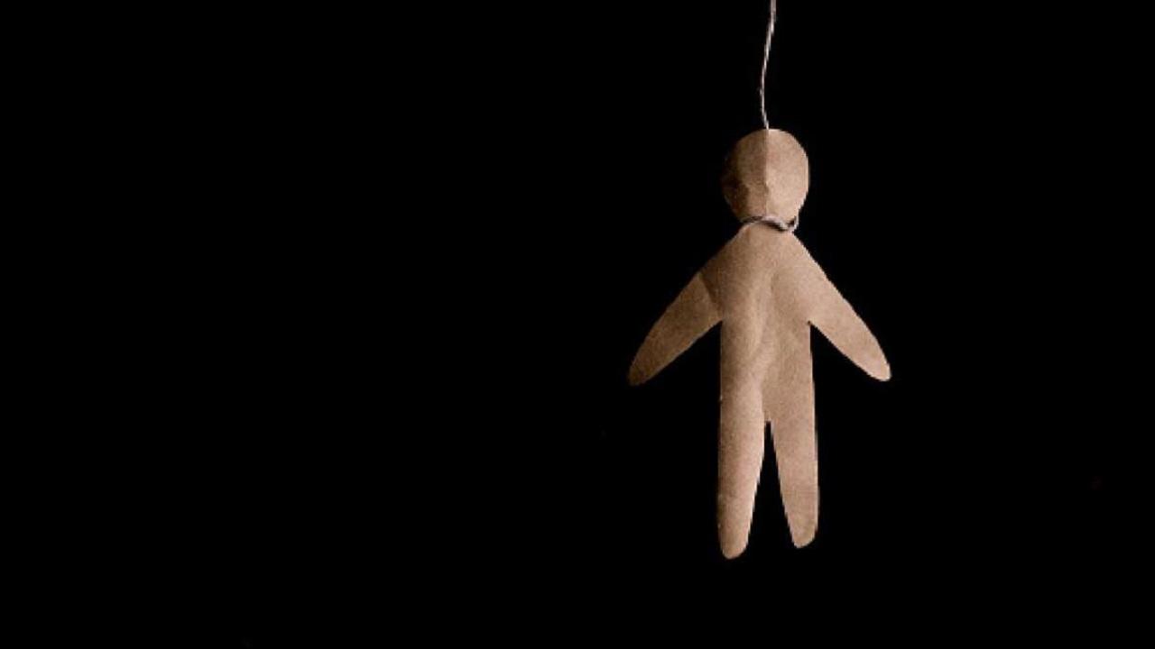 فيلم رعب يقود طفلة للانتحار