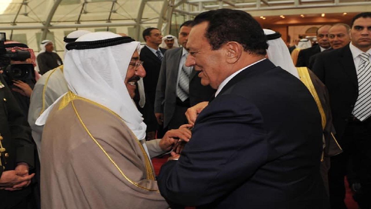 علاء مبارك يعلق على عدم حضور أسرة الرئيس الراحل مبارك عزاء الشيخ صباح