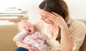 دراسة: اكتئاب الأمهات يسبب تشوهات نفسية للطفل مدى الحياه