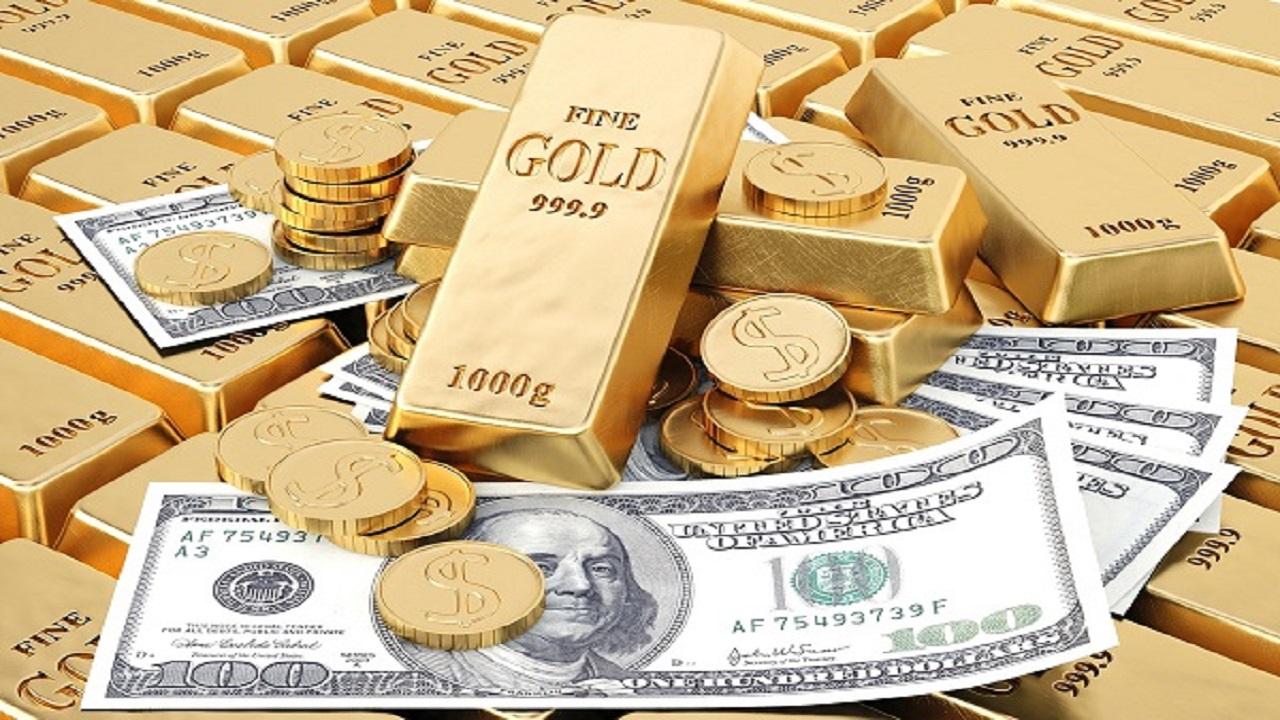 الذهب يتراجع مع تمسك الدولار بمكاسبه